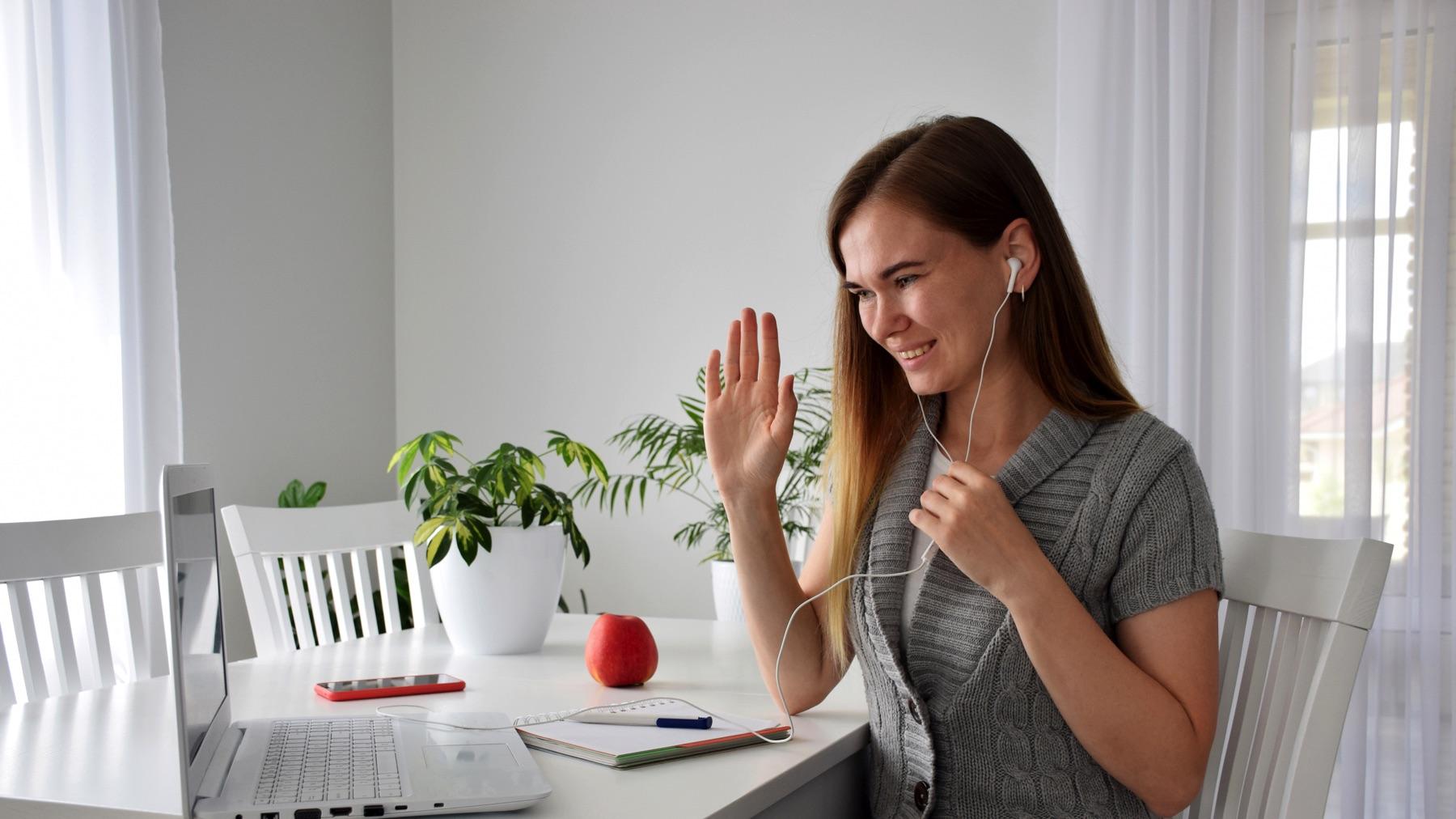 Earn $25/Hour Online As An English Teacher